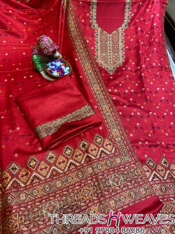 Red Pashmina suits with stall